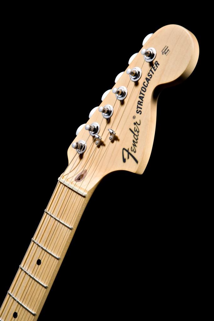 FenderStratocasterHeadstock
