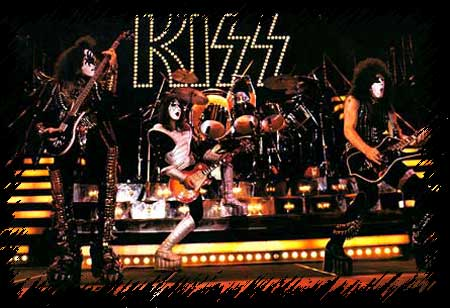 kiss77stagepic