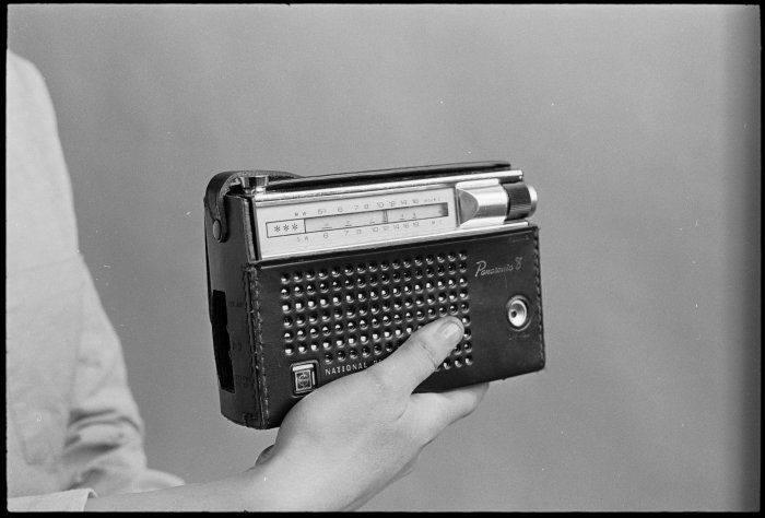 70s-black-panasonic-radio