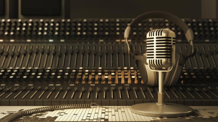 radio-station-booth-stock_750xx2269-1276-0-24