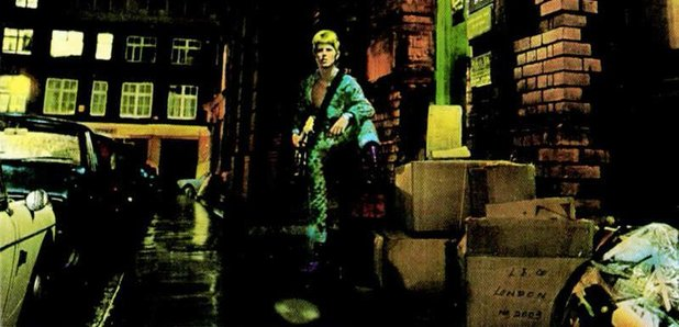 the-rise-and-fall-of-ziggy-stardust-and-the-spiders-from-mars---david-bowie-1972-1424429071-article-0